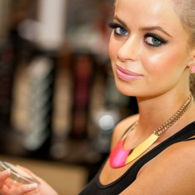 how to become a makeup artist at home